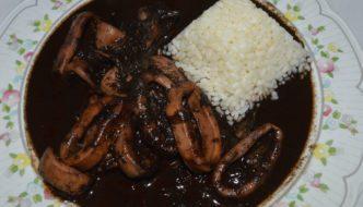 Calamares en su tinta con arroz