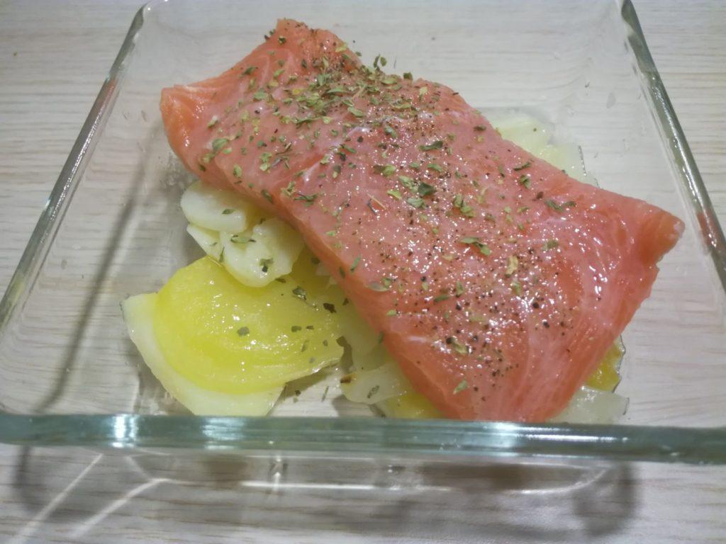 Filete de salmón preparado para el horno