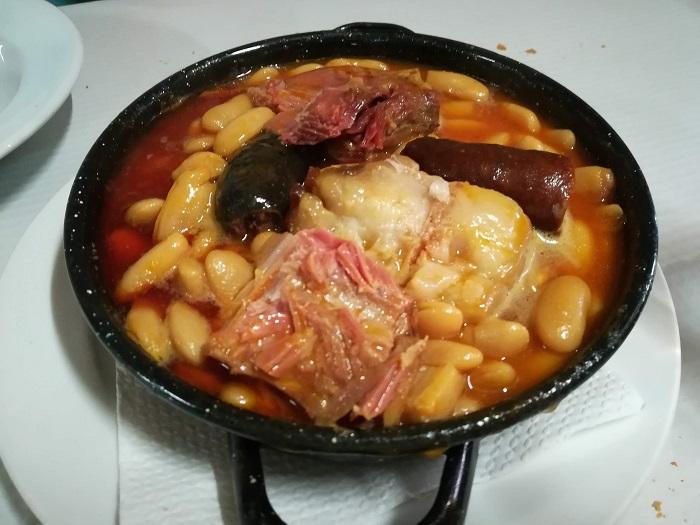 media racion de fabada asturiana