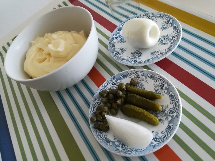 Ingredientes para la salsa tartara