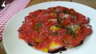 Pulpo con tomate y aceite de oliva