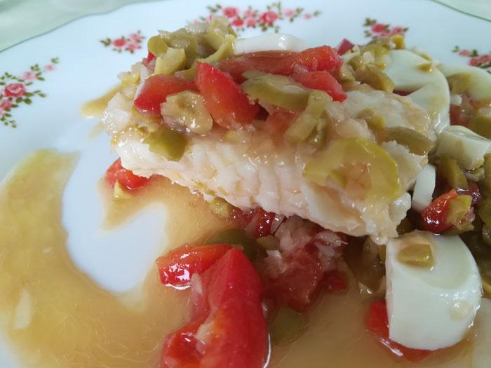 merluza con salsa vinagreta
