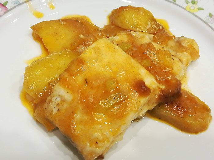 merluza a la sidra con patata panadera